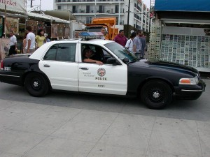 800px-lapd_police_car